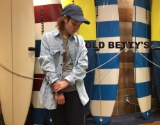 8oz Denim Bleached Shirtsが入荷してます。